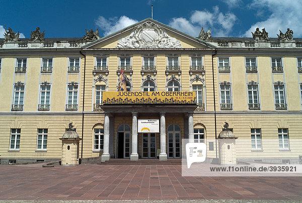Karlsruher Schloss  Badisches Landesmuseum seit 1921  Karlsruhe  Baden-Württemberg  Deutschland  Europa