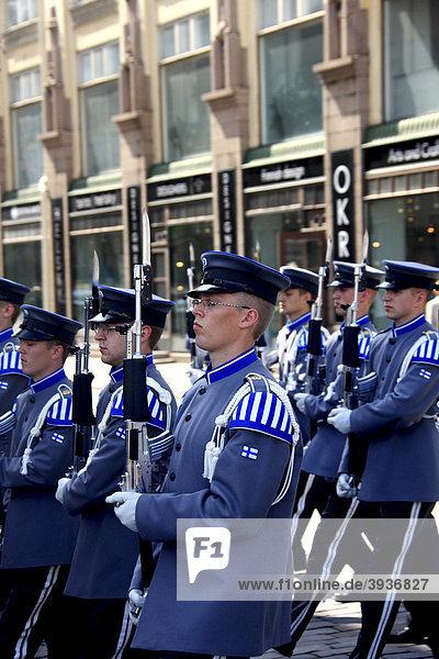Militärparade  Helsinki  Finnland  Europa