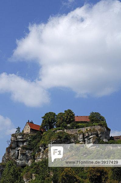 Burg Pottenstein auf einem Felsen in der Fränkischen Schweiz  Burgstraße 13  Pottenstein  Oberfranken  Bayern  Deutschland  Europa
