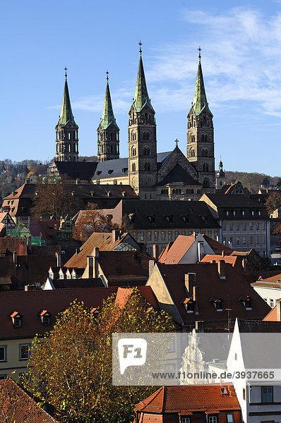 Blick vom Turm Schloss Geyerswörth  Geyerswörthstraße 1  auf die vier Türme des Doms  Bamberg  Oberfranken  Bayern  Deutschland  Europa
