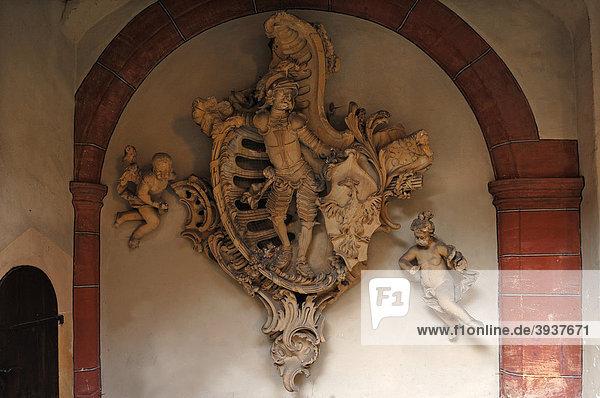 Originales Stadtwappen von Bamberg  von Joseph Bonaventura Mutschele  1728-1778  im Schlosshof von Geyerswörth  Geyerswörthstraße 1  Bamberg  Oberfranken  Bayern  Deutschland  Europa
