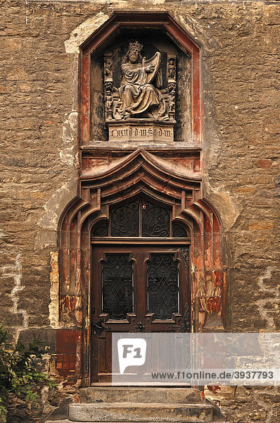 Eingangsportal zum Merseburger Schloss  um 1470  Relief  König David mit der Harfe  Domplatz 7  Merseburg  Sachsen-Anhalt  Deutschland  Europa