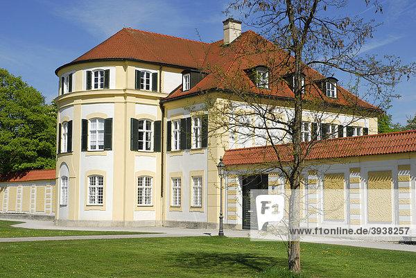 Haus am Nördlichen Schlossrondell  Schloss Nymphenburg  Neuhausen-Nymphenburg  München  Oberbayern  Bayern  Deutschland  Europa
