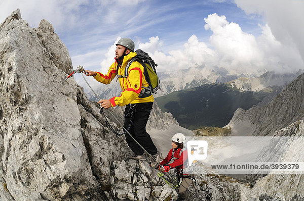 Climbers  Innsbrucker Klettersteig via ferrata  Karwendelgebirge mountains  Innsbruck  Tyrol  Austria  Europe