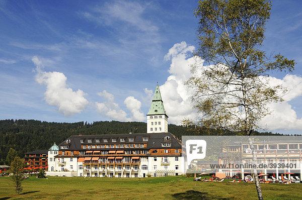 Schloss Elmau  Mittenwald  Karwendelgebirge  Bayern  Deutschland  Europa