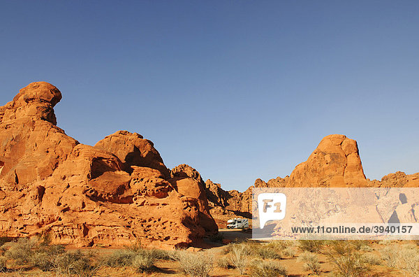 Seven Sisters-Felsen  Wohnmobil  Valley of Fire  Nevada  USA