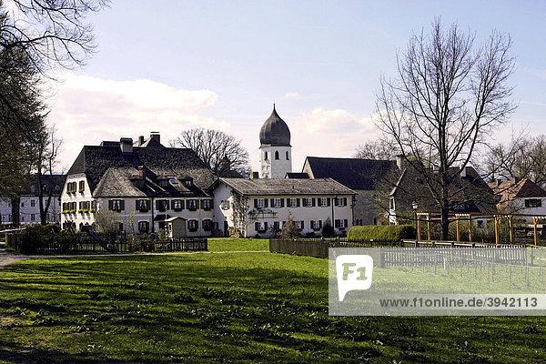 St. Irmengard Benediktinerinnen-Abtei  Glockenturm  Fraueninsel  Chiemsee  Chiemgau  Oberbayern  Deutschland  Europa