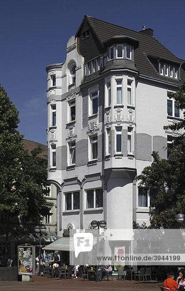 Gründerzeitbebauung im Stadtteilzentrum Hörde  Dortmund  Nordrhein-Westfalen  Deutschland  Europa