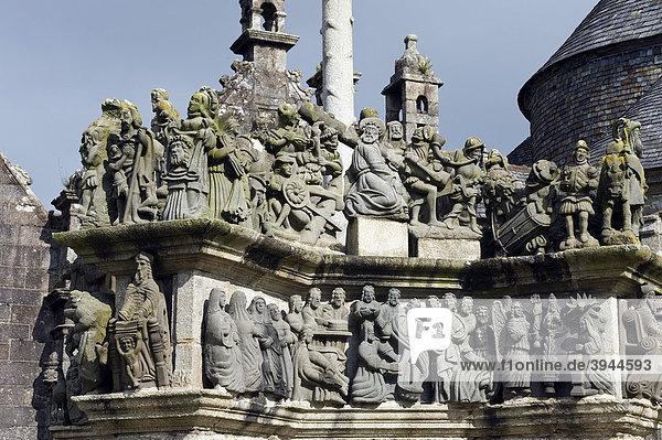 Der Calvaire  Kalvarienberg  von Guimiliau  Finistere  Bretagne  Frankreich  Europa