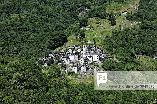 Corippo im Verzascatal  ein typisches Tessinerdorf  Kanton Tessin  Schweiz  Europa Kanton Tessin