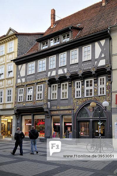 Schrödersches Haus  1549 vom Tuchmacher Hovet erbautes Renaissance-Fachwerkhaus  Göttingen  Niedersachsen  Deutschland