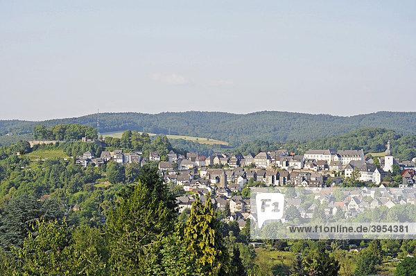 Stadtübersicht  Landschaft  Arnsberg  Sauerland  Nordrhein-Westfalen  Deutschland  Europa