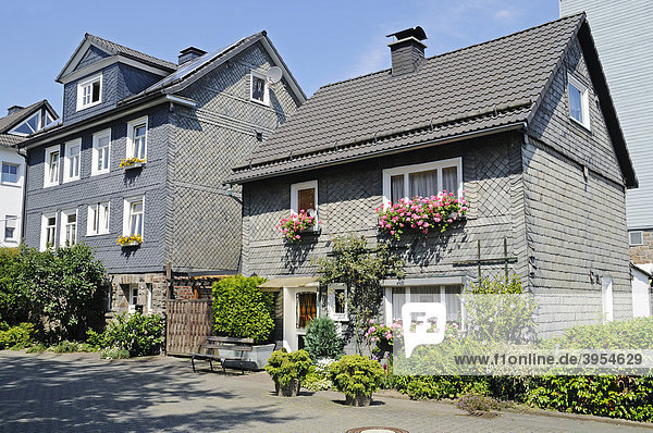 Schieferhäuser  Schiefer  Fachwerk  Bad Berleburg  Kreis Siegen Wittgenstein  Nordrhein-Westfalen  Deutschland  Europa