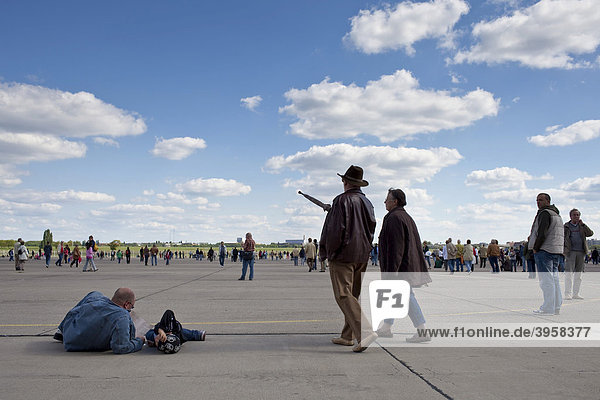 The former airport Tempelhof on the 60th anniversary of the airlift  Berlin  Germany  Europe