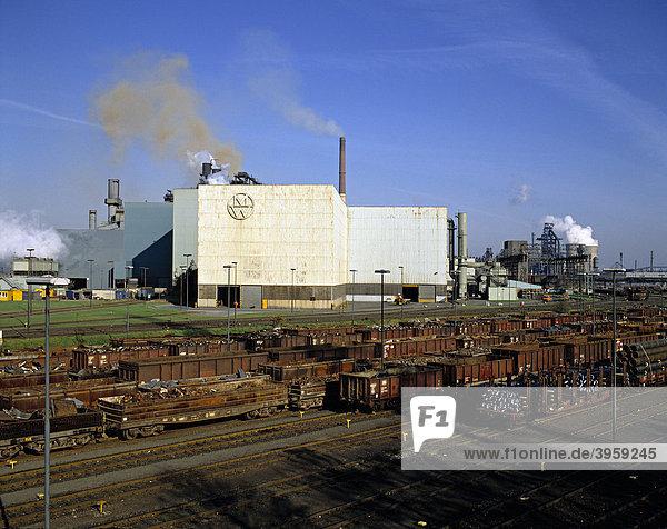 Stahlfabrik  Duisburg  Ruhrgebiet  Nordrhein-Westfalen  Deutschland