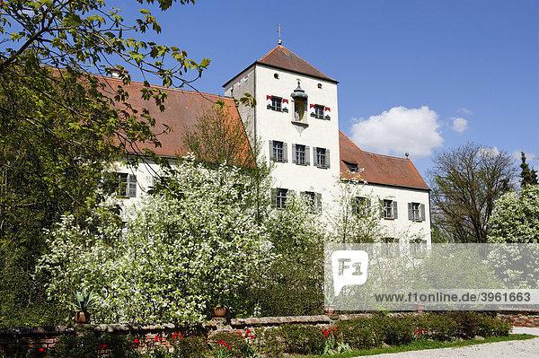 Oberes Schloss der Reichsfreiherren von Closen  Arnstorf  Niederbayern  Bayern  Deutschland  Europa