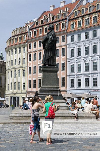 Altstadt  Martin-Luther-Denkmal am Neumarkt  Dresden  Sachsen  Deutschland