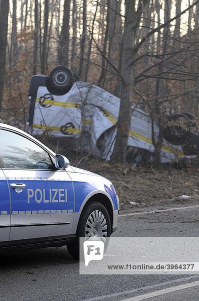 Wreck after a severe traffic accident on L 1150  police car  Esslingen  Baden-Wuerttemberg  Germany  Europe