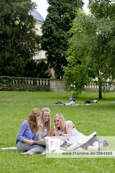 Students at the University of Hohenheim  in Hohenheim Castle Park  Hohenheim  Baden-Wuerttemberg  Germany  Europe