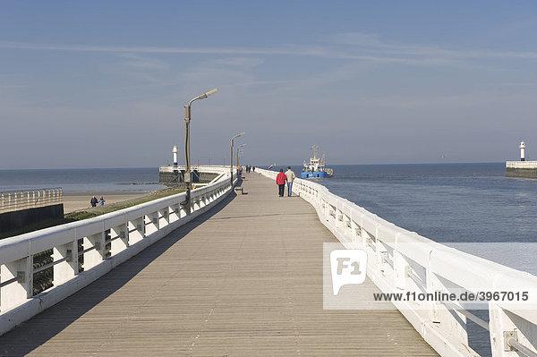 Pier  Nieuwpoort  North Sea Coast  Belgium  Europe