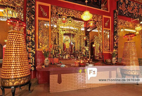 Gottheit am Altar  Quan Am Pagode  Ho Chi Minh Stadt  Saigon  Vietnam  Südostasien