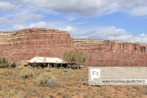 Farmhaus im Valley of the Gods am Highway 163 bei Mexican Hat  Utah  USA