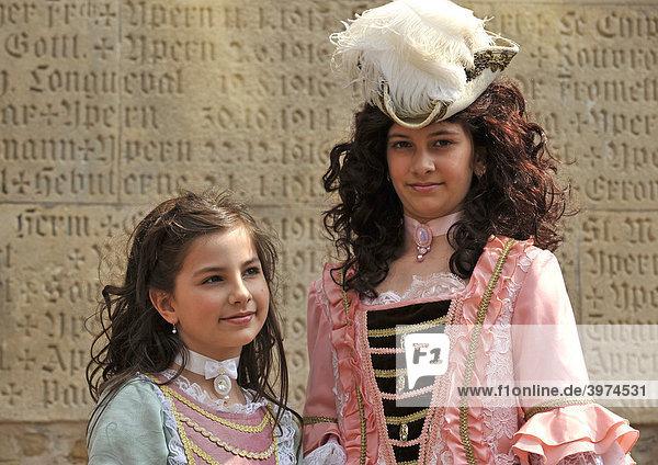 Life in the Baroque period of the 18th Century  girls in Venetian clothes  Schiller Jahrhundertfest century festival  Marbach am Neckar  Baden-Wuerttemberg  Germany  Europe