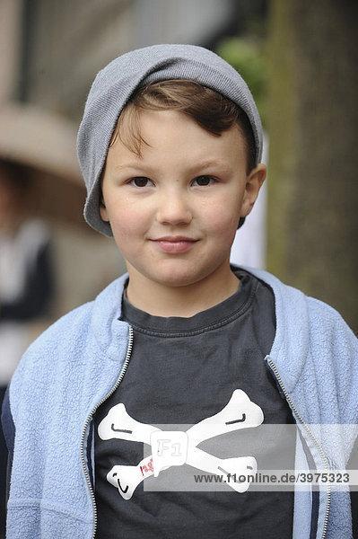 Boy  5  wearing a pirate shirt