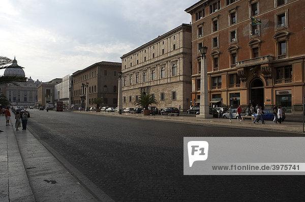 Via della Conciliazione  Kuppel des Petersdoms  Rom  Latium  Italien  Vatikanstaat  Europa