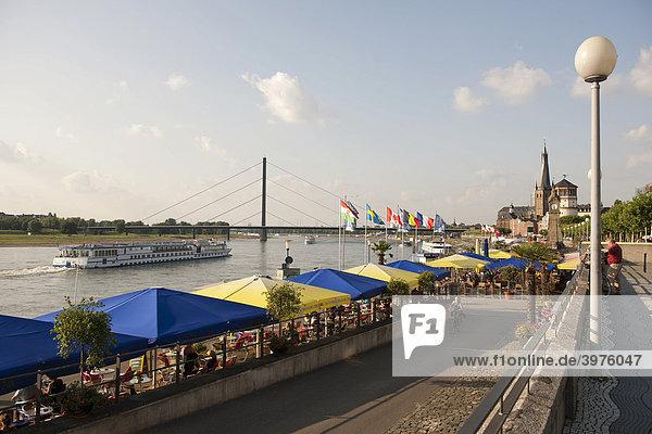 Rhine promenade  Duesseldorf  North Rhine-Westphalia  Germany  Europe