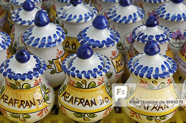 Safranprodukte in Cefran  Safranfabrik  CamuÒas  Provinz Toledo  Kastilien-La Mancha  Spanien  Europa