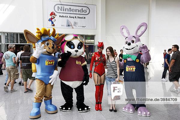 Krazy Kart Racing Characters auf der Entertainment Area der Gamescom  weltweit größte Messe für Computerspiele in der Messe Köln  Nordrhein-Westfalen  Deutschland  Europa