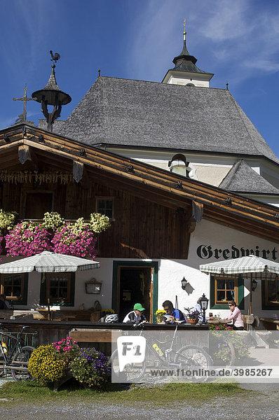 Mountainbike-Fahrer im Gredwirt in Aschau,  Tirol,  Österreich,  Europa