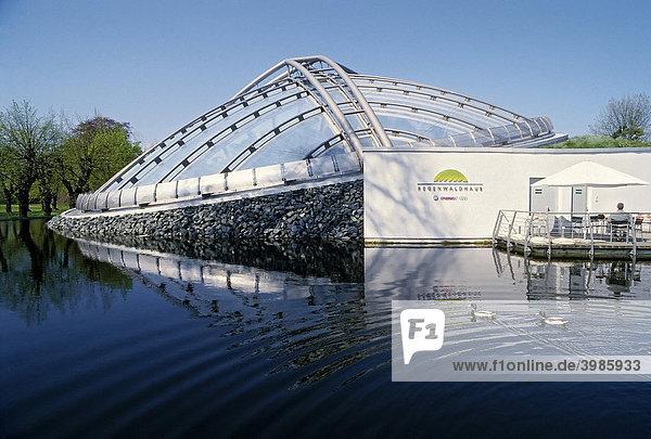 Moderner Kuppelbau  Regenwaldhaus  heute Sea Life Aquarium  Berggarten  Herrenhäuser Gärten  Hannover  Niedersachsen  Deutschland  Europa