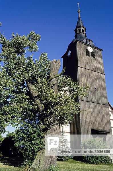 Historische Dorfkirche mit Holzturm in Schlepzig  Unterspreewald  Spreewald  Brandenburg  Deutschland  Europa