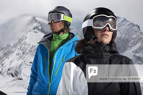 Snowboarder  Skifahrerin  St. Moritz  Graubünden  Schweiz  Europa