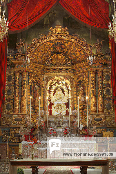 Altar mit Madonna in Wallfahrtskirche Las Nieves bei Santa Cruz de la Palma  La Palma  Kanarische Inseln  Kanaren  Spanien
