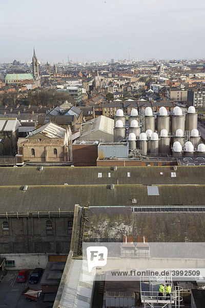 Stadtpanorama von der Gravity Bar im Guinness Storehouse Museum aus gesehen  Dublin  Irland