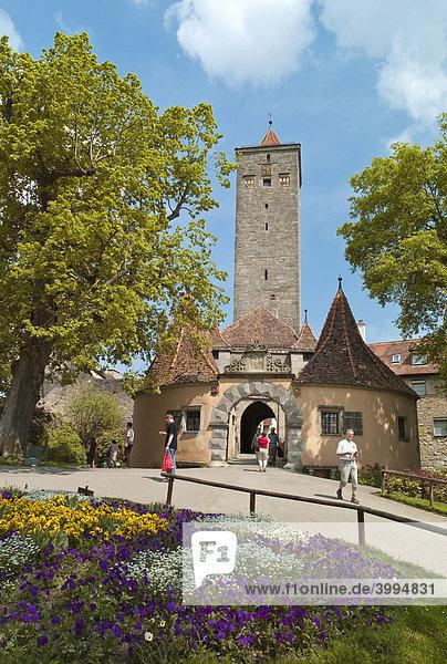 Westliches Burgtor  12. Jahrhundert  ältester und größter Torturm  Rothenburg ob der Tauber  Bayern  Deutschland  Europa