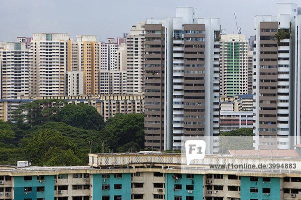 Skyline Singapur  Hochhäuser mit preiswerten Wohnungen  Singapur  Asien