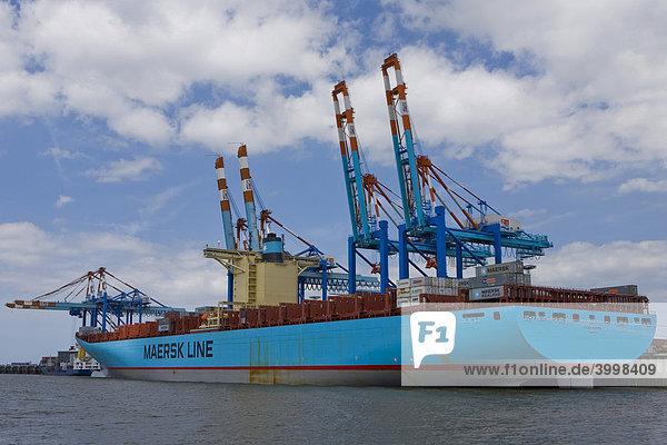 Containerschiff Eugen Maersk Randers am Containerterminal in Bremerhaven  Deutschland