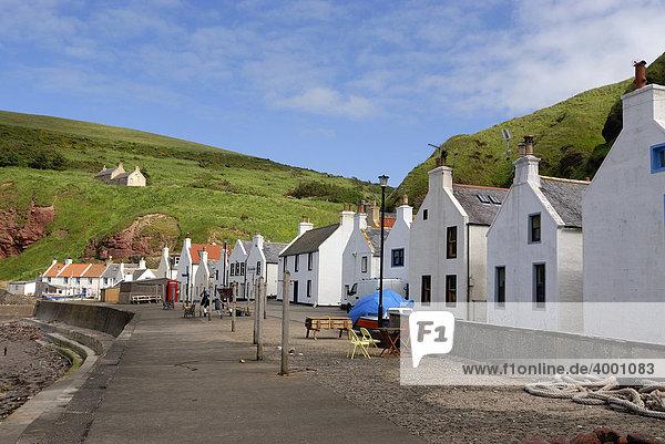 Fischerdorf Pennan an der schottischen Nordküste  Schottland  Großbritannien  Europa