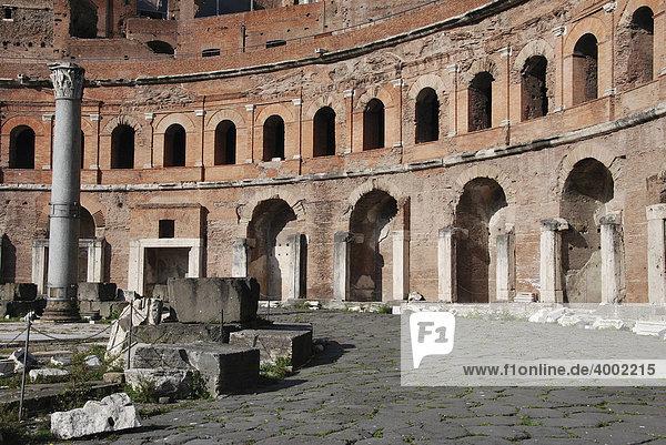 Trajansforum  Fori Imperiali  Kaiserforen  Altstadt  Rom  Italien  Europa