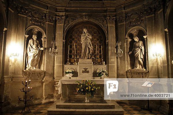 Altar in der Kathedrale Notre-Dame-des-Doms in Avignon  Provence  Frankreich  Europa