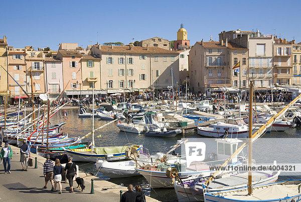 Boats in the harbour of Saint-Tropez  Departement Var  Cote d'Azur  Provence  Southern France  France
