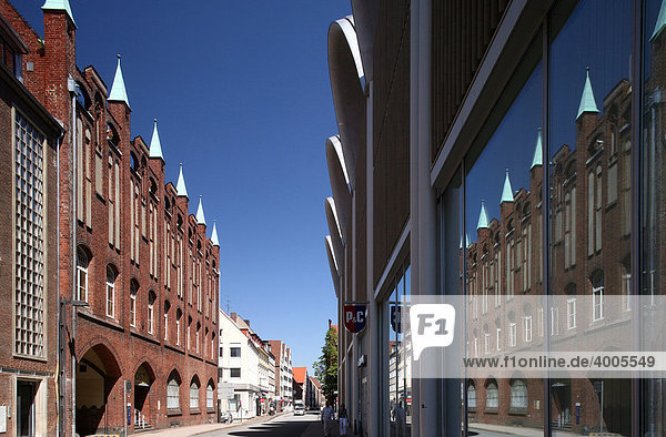 Reflected gable house  Hanseatic City of Luebeck  Schleswig-Holstein  Germany  Europe