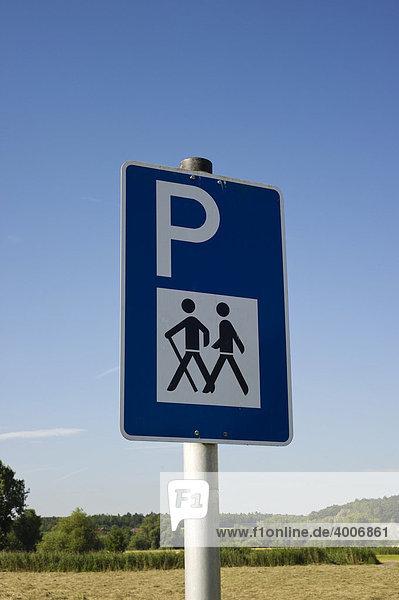 Hinweisschild  Parken für Wanderer
