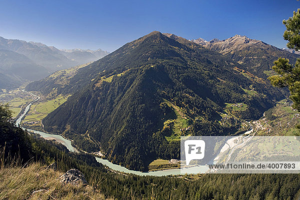 Innschleife  Pillerhöhe  Am Gachenblick  Gacher Blick  Fisser Joch mit Samnaungruppe  Oberinntal  Tirol  Österreich  Europa