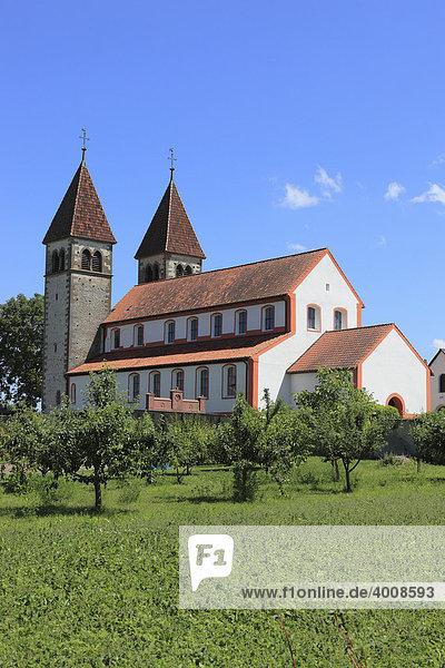 Kloster St. Peter und Paul in Niederzell  Insel Reichenau  Bodensee  Landkreis Konstanz  Baden-Württemberg  Deutschland  Europa