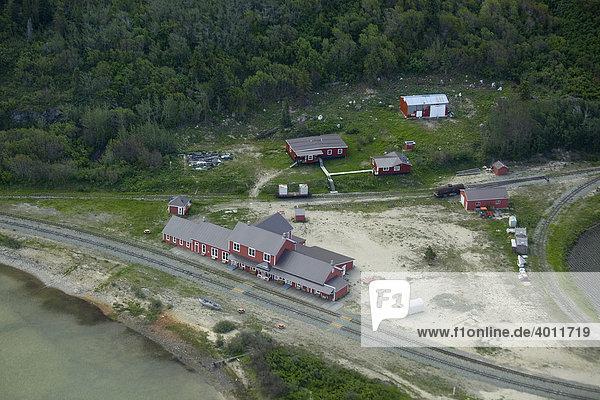 Alter Bahnhof an der White Pass & Yukon Railway Eisenbahnstrecke  Luftbild  Bennett  Klondike-Goldrausch  Chilkoot Pass  Chilkoot Trail  Yukon  Britisch-Kolumbien  Kanada